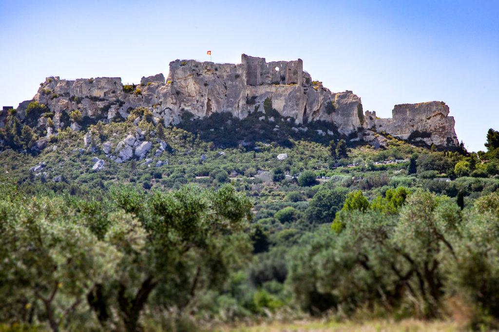 Vista di Les Baux de Provence da valle