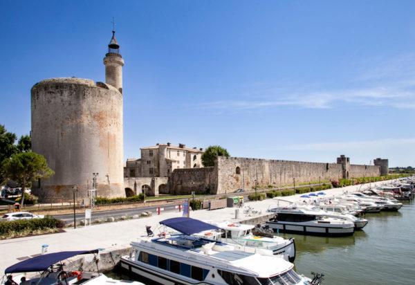 Aigues Mortes - Constance Tower sul canale Grau-du-Roi