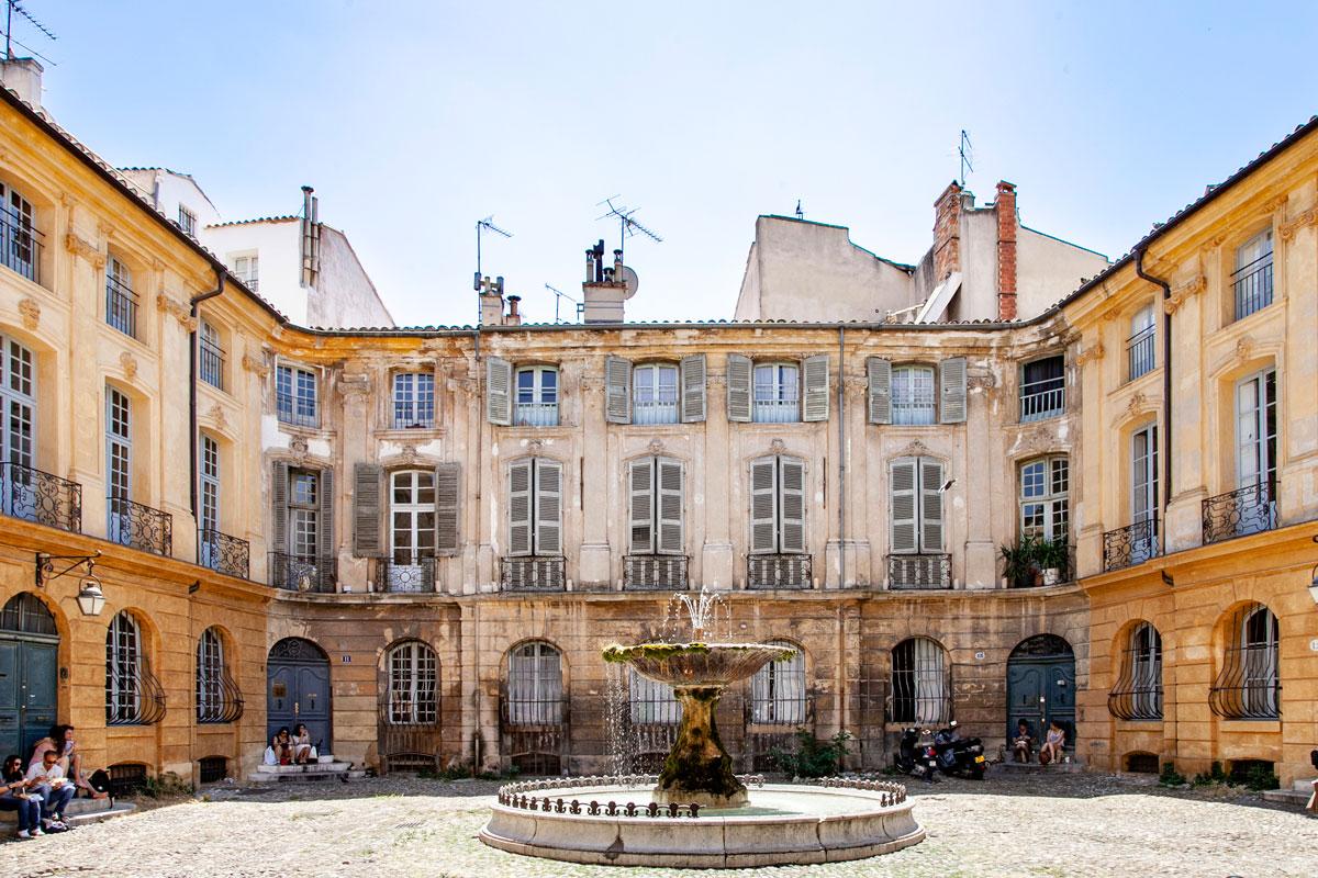 Casa malmessa nel centro storico di Aix en Provence