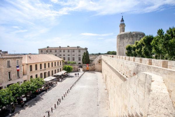 Cinta muraria di Aigues Mortes - Passeggiata sulla città