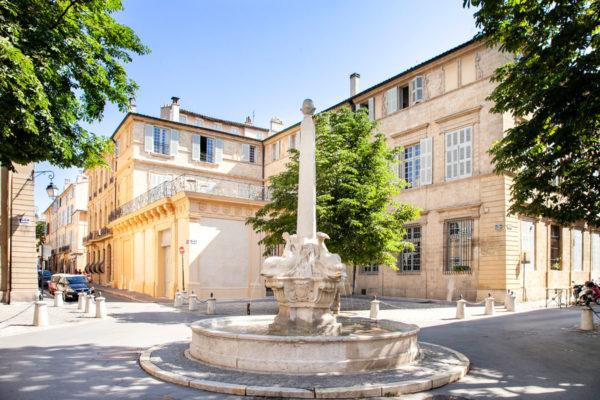 Fontana in Piazza dei Quattro Delfini - Aix en Provence