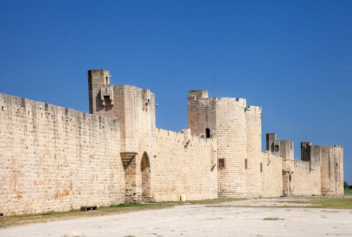 Fortificazione di Aigues Mortes e porte cittadine