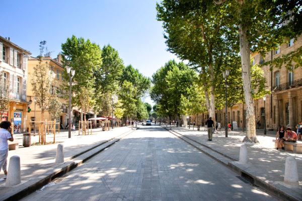 Il viale principale di Aix en Provence - Cours Mirabeau