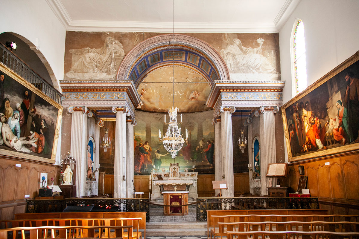 Interni della cappella dei penitents blancs - Aigues Mortes