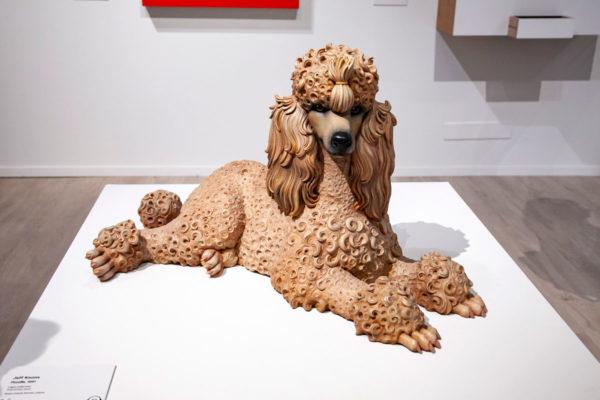 Jeff Koons - Poodle - Cane in legno e plastica