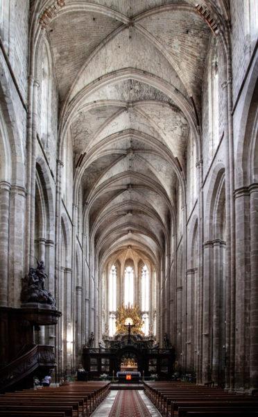 Navata centrale della basilica di Saint Maximin La Sainte Baume