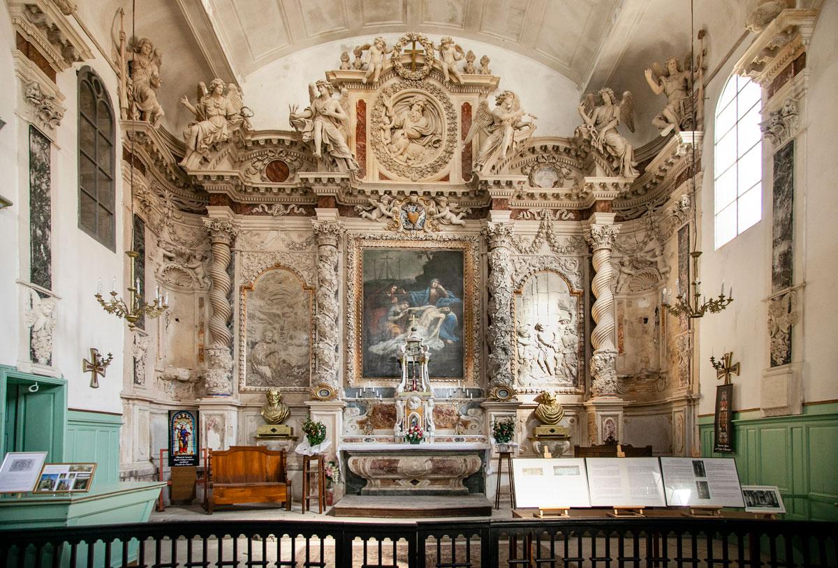 Ricca pala d'altare della cappella dei penitentes gris - Aigues Mortes