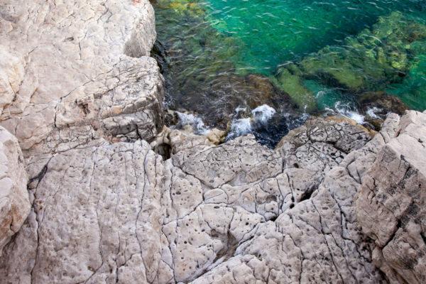 Roccia e acqua trasparente - Calanchi di Marsiglia