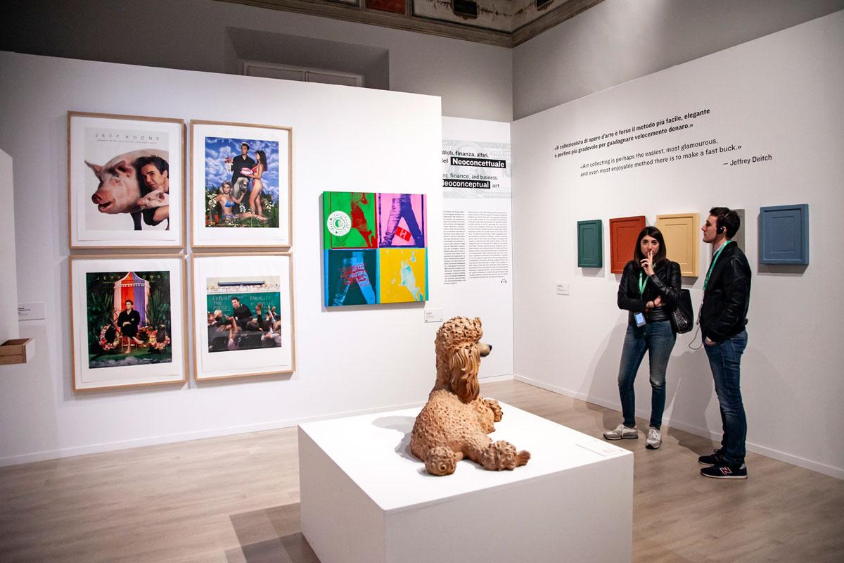 Sala con Opere di Jeff Koons - Warhol and Friends
