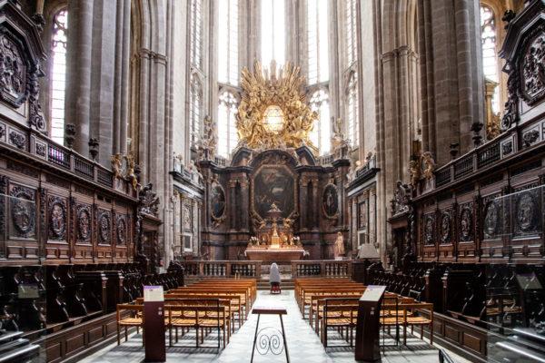 Scranni in legno del coro della basilica di Saint Maximin La Sainte Baume