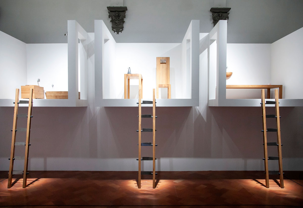 The House with the Ocean View - Reperfomance di Marina Abramović - Case sospese con scalinate di coltelli
