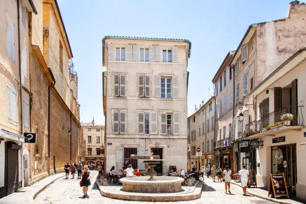 Una delle tante piazzette di Aix en Provence