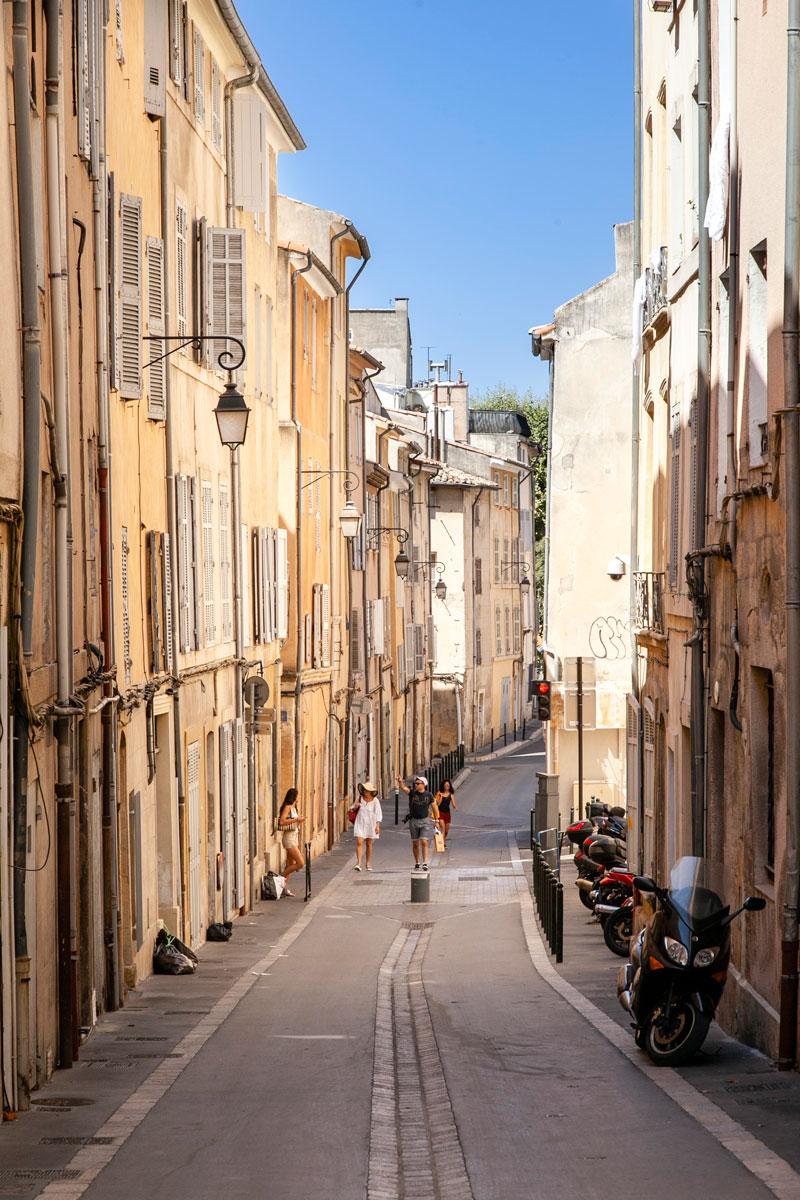 Vicolo del centro storico di Aix en Provence - cittadine Provenzali