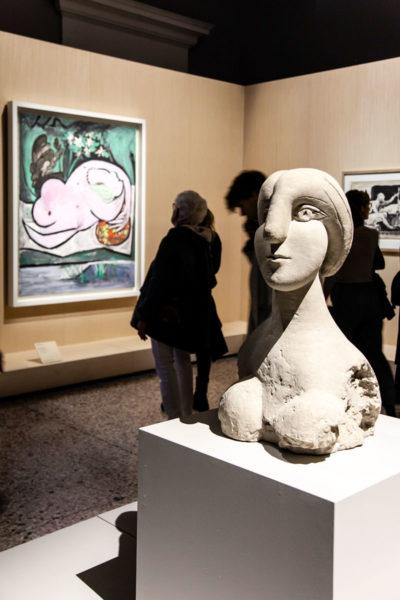 Busto de una mujer - Scultura di Pablo Picasso