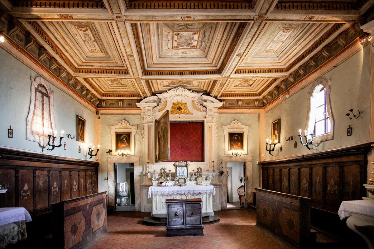 Chiesa di San Niccolò di Cortona - Gonfalone su altare maggiore