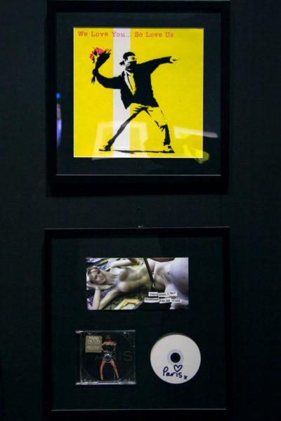 Collaborazioni musicali di Banksy - Flower Thrower e Copertina sostitutiva del disco di Paris Hilton