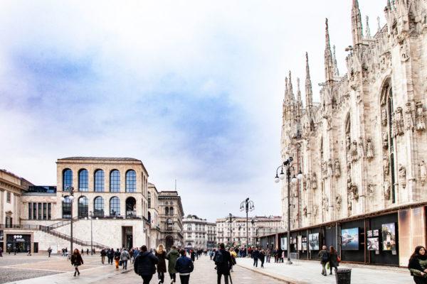Lato del Duomo di Milano e Museo del Novecento