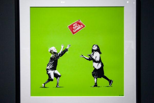 No ball games - serigrafia sui limiti che vengono imposti ai bambini - Banksy