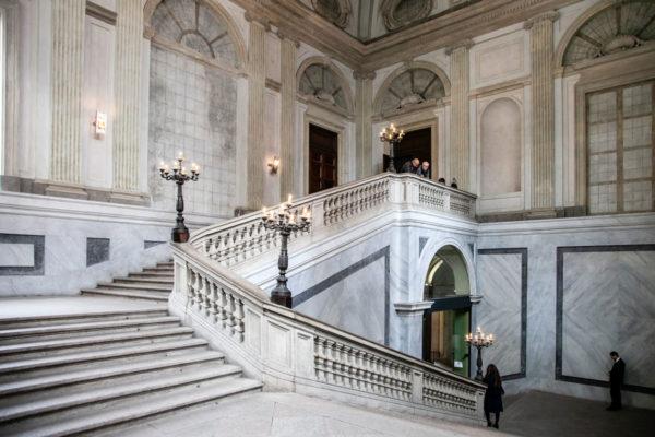 Scalinata neoclassica di Palazzo Reale a Milano