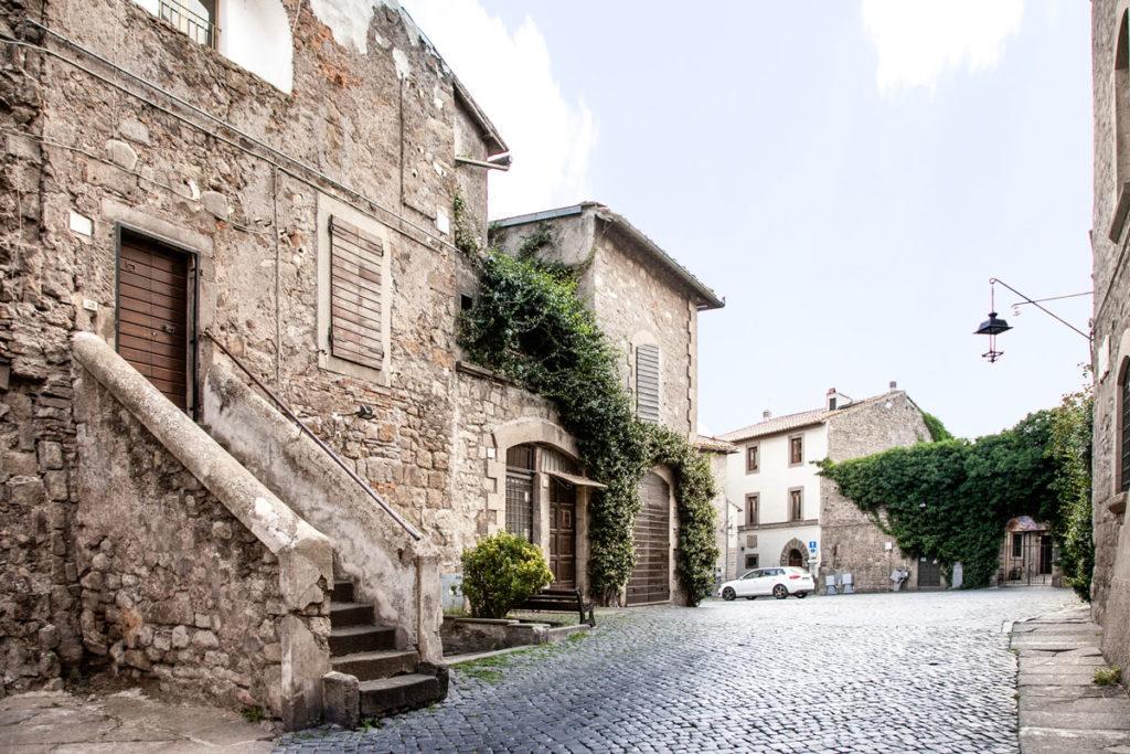 Accesso al Bellissimo Quartiere Medievale di Viterbo
