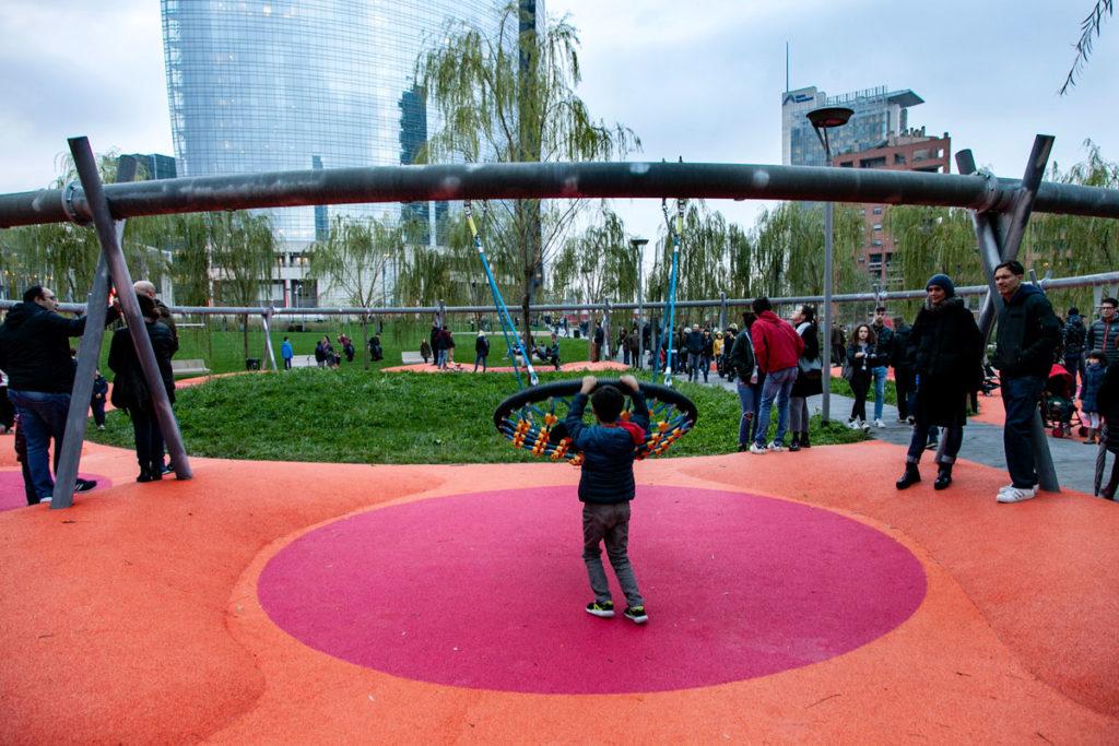 Altalene e giochi per bambini a Milano - Parco cittadino vicino a Corso Como - Porta Garibaldi