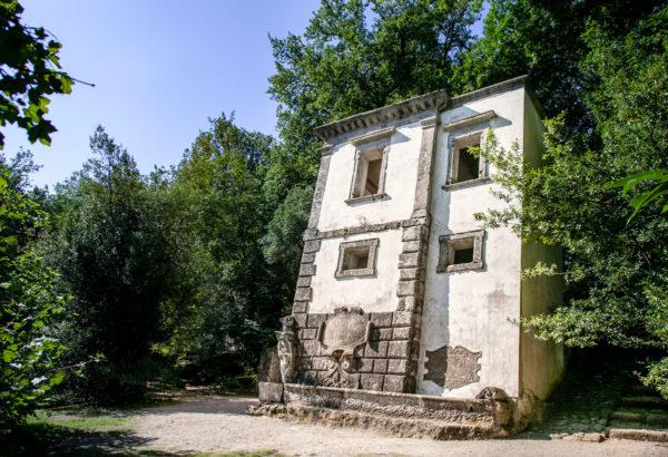 Casa Pendente nel Parco dei Mostri di Bomarzo