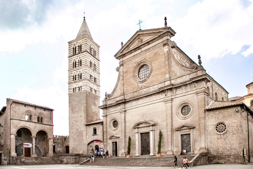 Cattedrale di San Lorenzo e Ingresso al Museo Colle del Duomo