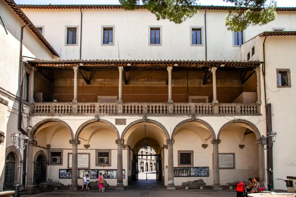 Cortile interno del palazzo dei Priori