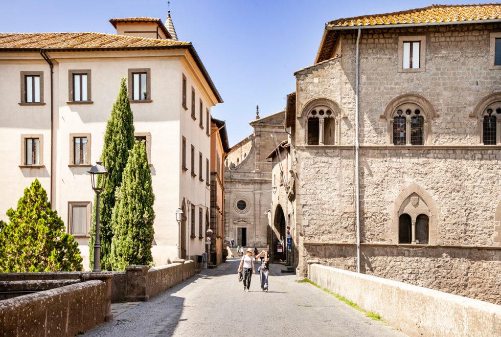 Cosa Vedere a Viterbo - Passeggiata Verso Piazza San Lorenzo