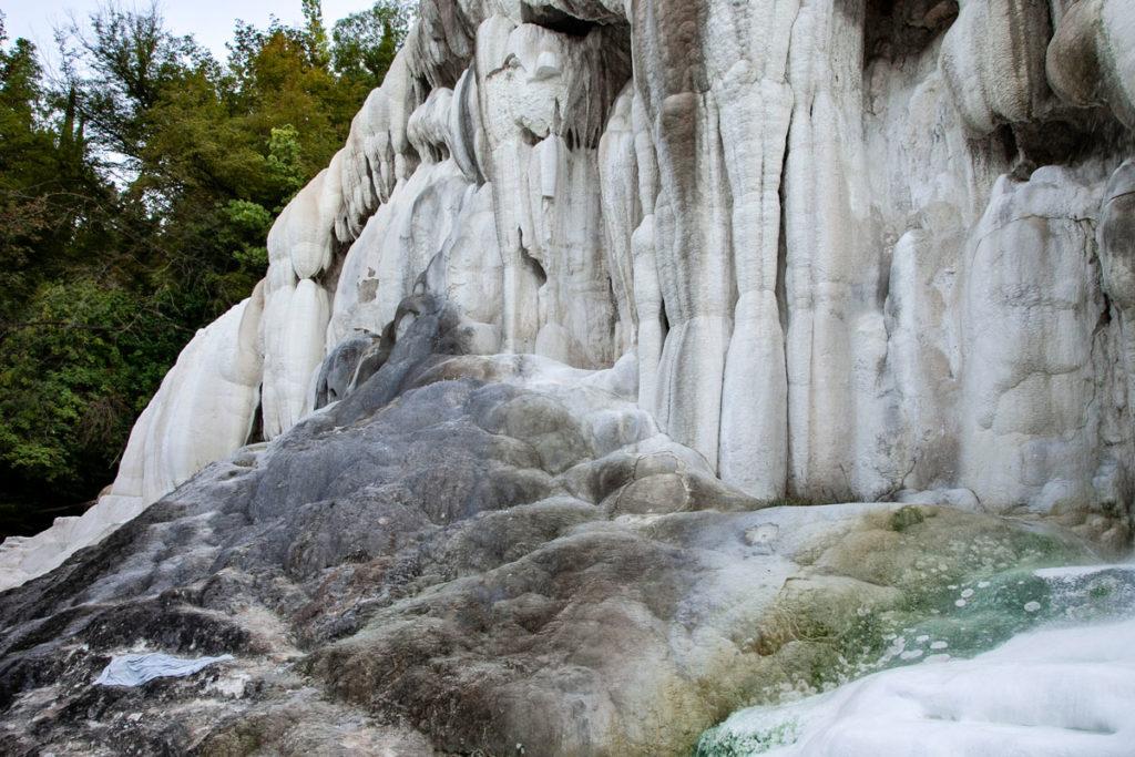 Dettaglio della Balena Bianca - Formazioni di Carbonato di Calcio ai Bagni di San Filippo