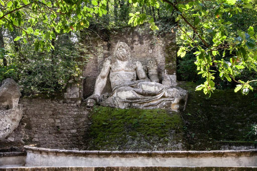 Fontana del Nettuno nel Parco dei Mostri di Bomarzo