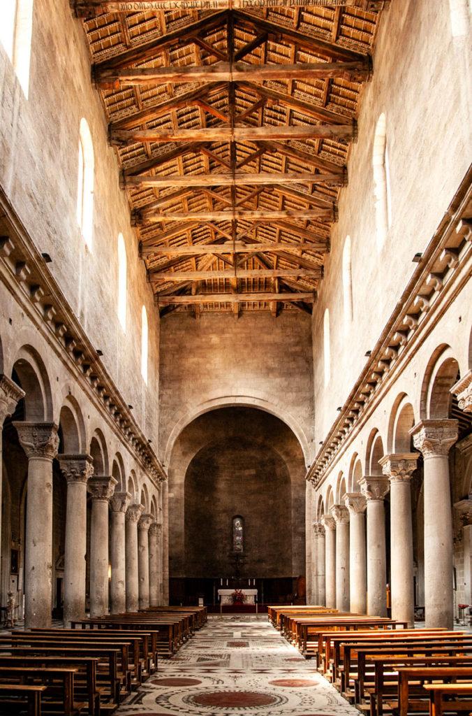 Interni della Cattadrale di San Lorenzo - Duomo di Viterbo