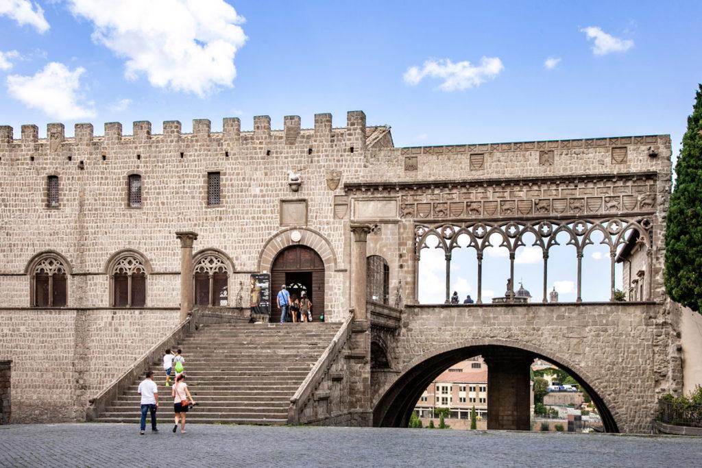 Palazzo dei Papi di Viterbo da Piazza San Lorenzo