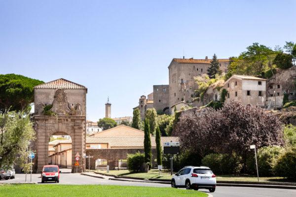 Porta Faul e ingresso alla città storica di Viterbo