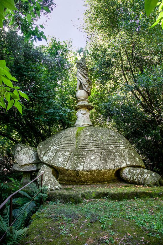 Tartaruga nel Parco dei Mostri di Bomarzo