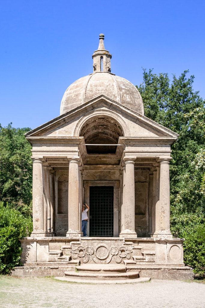 Tempio del Sacro Bosco - Racchiude le Spoglie dei coniugi Severi Bettini e di Giulia Farnese
