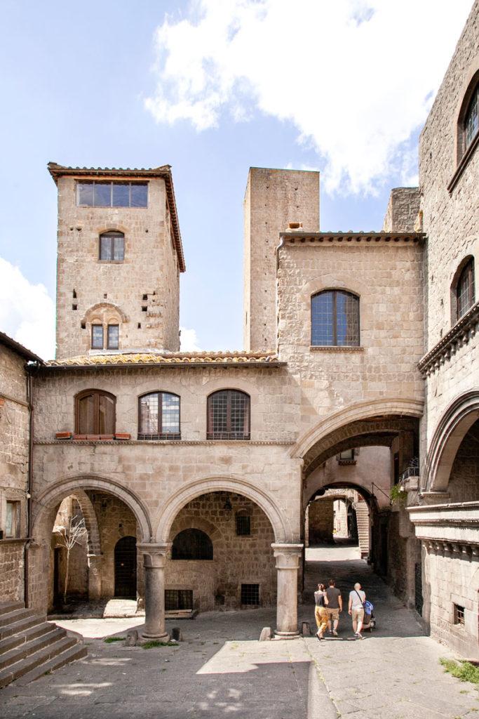 Torre e Palazzo degli Alessandri