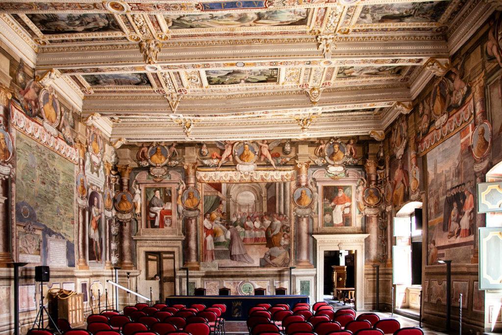 Viterbo - Sala Affrescata nel comune ospitato in palazzo dei Priori