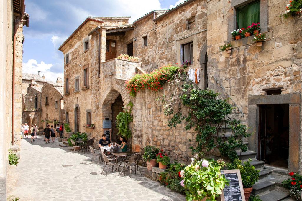 Bar e turisti nella città che muore di Viterbo