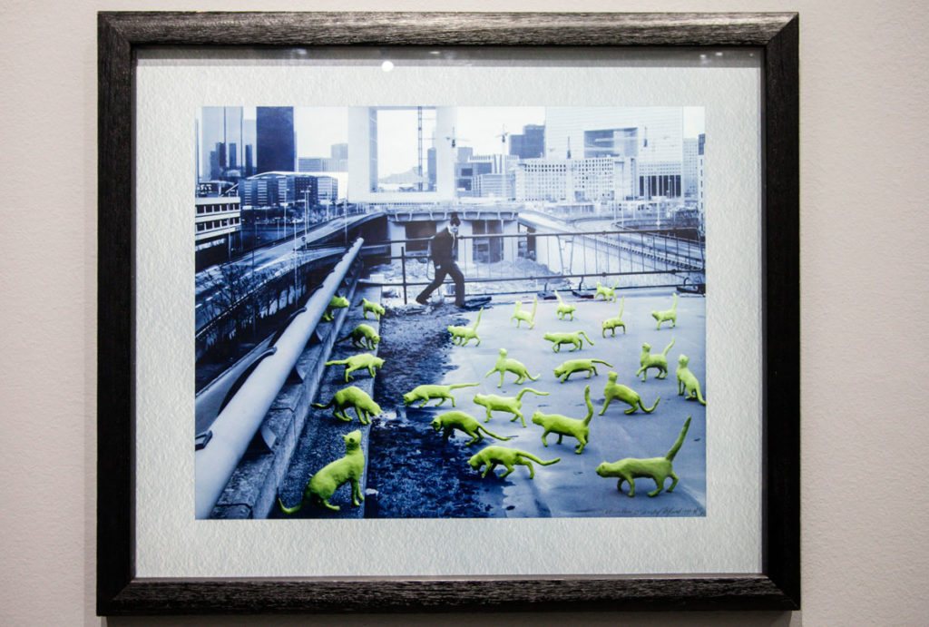 Cats in Paris - 1993 - le statue di Sandy Skoglund vanno all'aperto