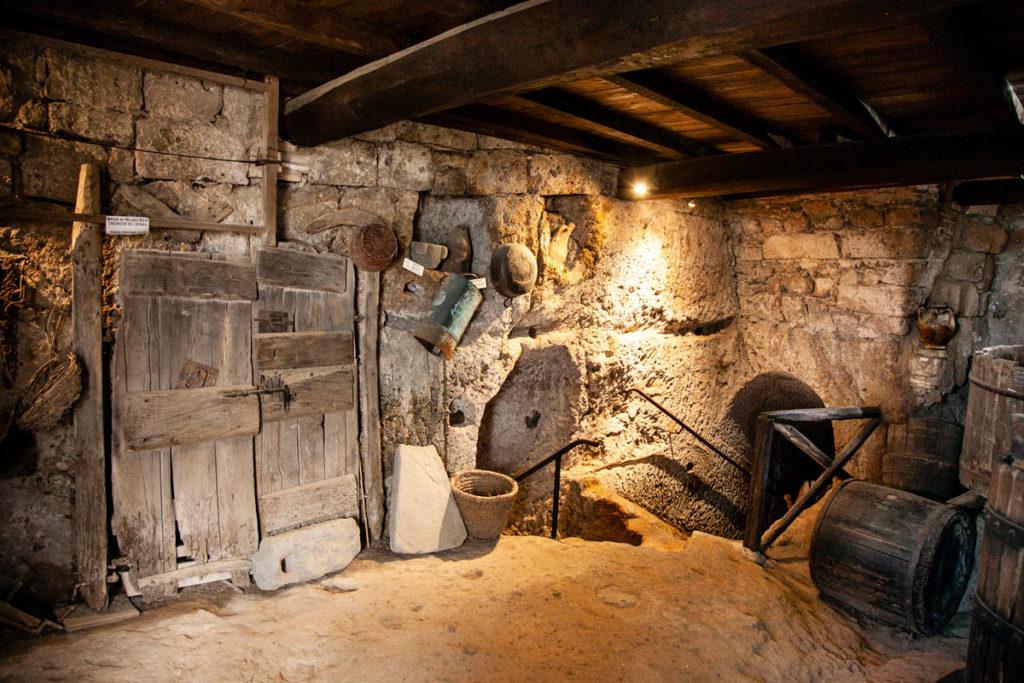 Grotte Sotterranee Antica Civitas - Ricostruzione delle antiche grotte nel tufo