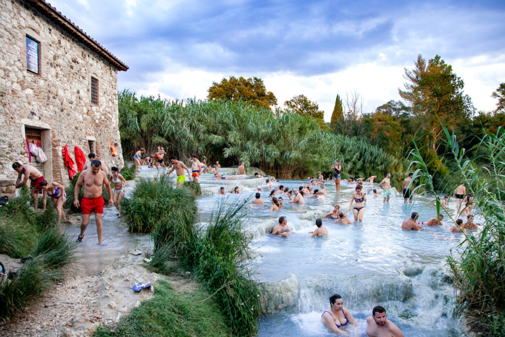 Il mulino e le pozze nelle terme libere di Saturnia - Cosa fare in Toscana