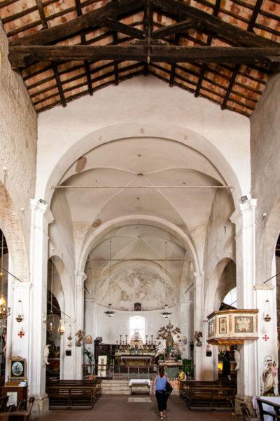 Interni della chiesa di San Donato