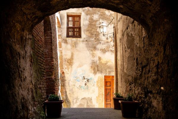 Quartiere Ebraico di Pitigliano - Affreschi su muri