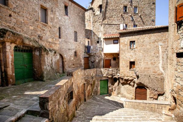 Scorci di Pitigliano - il borgo di Tufo