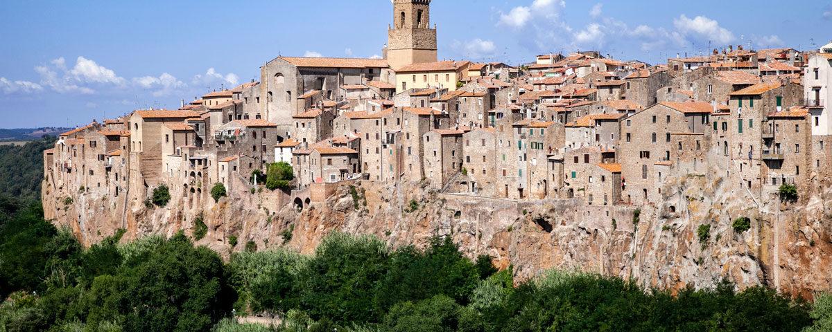 Vista panoramica sul borgo di Pitigliano - Maremma