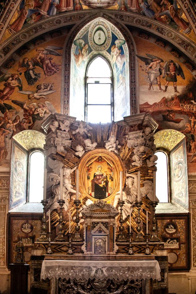 Altare della Chiesa di San Brizio - Orvieto