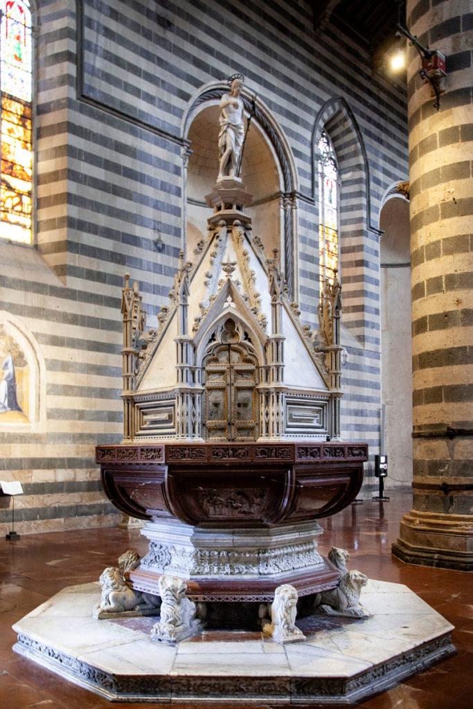 Fonte Battesimale del Duomo di Orvieto