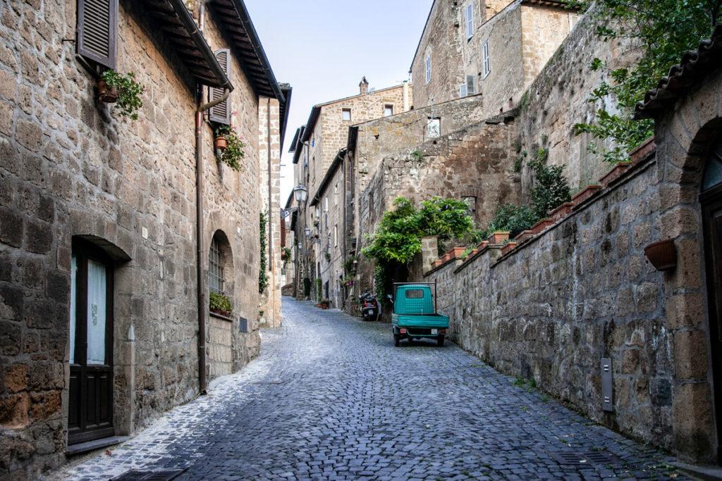 Orvieto come un borgo medievale