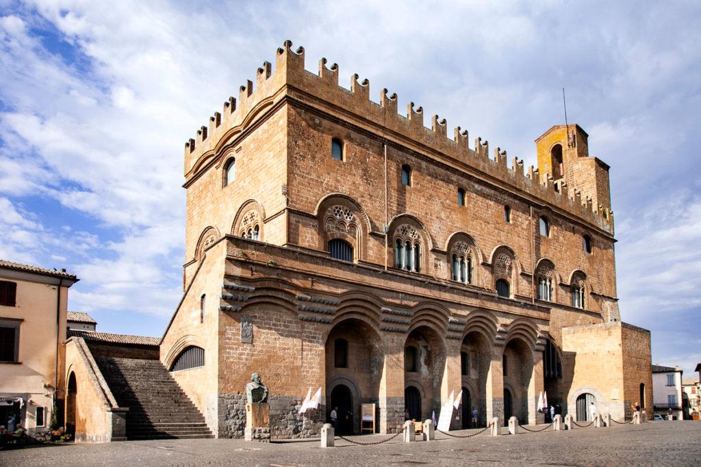 Palazzo del Popolo di Orvieto e i suoi Merletti